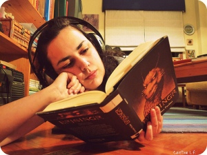 headphones_reading